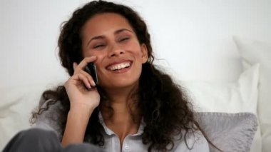 Woman calling on the phone — Vídeo Stock