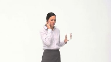 Angry women talking on her phone — Stock Video