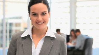 微笑的漂亮女商人 — 图库视频影像