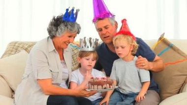 Family celebrating a birthday — Stock Video