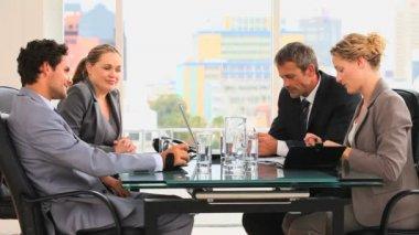 Incontro tra quattro business — Video Stock