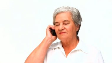 Elderly woman phoning — Vídeo stock