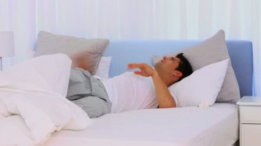 Extremly tired man sleeping fitfully — Stock Video