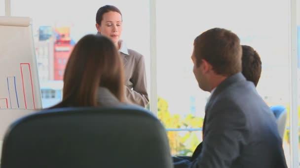 équipe des affaires lors d'une réunion — Vidéo