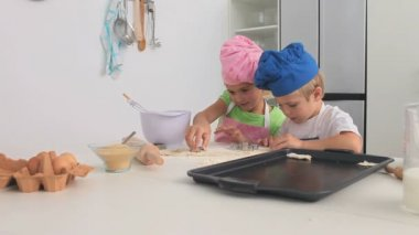 Adorable children cooking — Stock Video