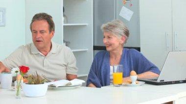 Retired couple taking the breakfast — Stock Video