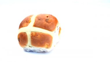 Two hot cross buns rotating — Stock Video