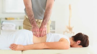 Woman getting a back-massage — Stock Video