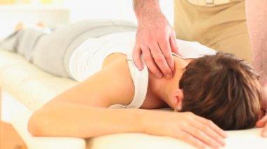 Man massaging a woman's neck — Stock Video