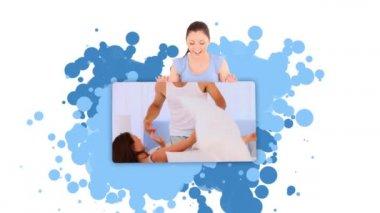 Mujer mostrando un par jugando en su cuarto — Vídeo de stock