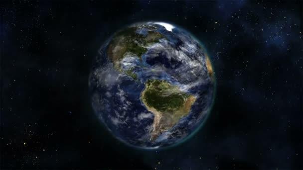 Tierra girando sobre sí misma con nubes con tierra cortesía nasa.org en movimiento — Vídeo de stock