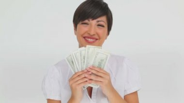Businesswoman holding a fan of bank notes — Stock Video