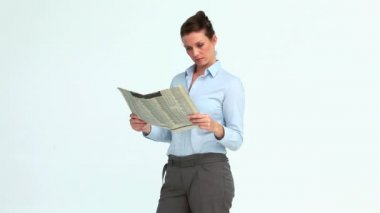 Happy businesswoman reads the news and crosses the arms — Stock Video