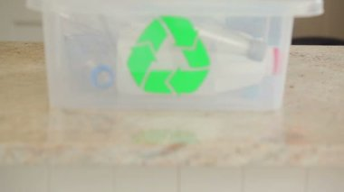 Woman recycling bottles — Stock Video
