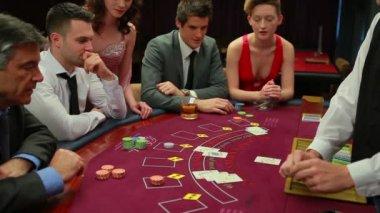 Playing blackjack — Stock Video