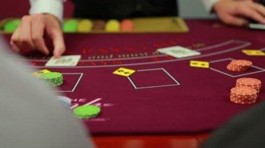 Dealer dealing poker cards — Stock Video
