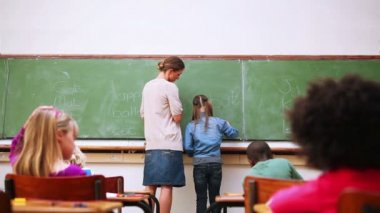Allievo e insegnante in posizione normale — Video Stock