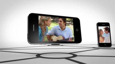 Paar romaans op smartphone scherm — Stockvideo