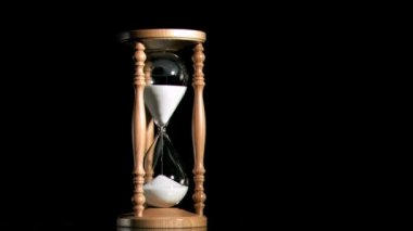 Old hourglass in super slow motion — Stock Video