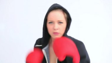 Woman boxing quickly — Stock Video