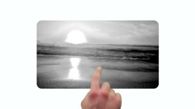 Amigos videos disfrutando de la playa al atardecer — Vídeo de stock