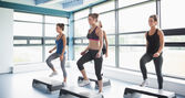 Group of women doing aerobics — Stockfoto