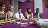 за покерным столом — Стоковое фото