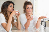 Girls chatting over coffee — Stock Photo