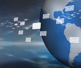 Mensajes flotando más allá de globo — Foto de Stock