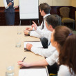 Businesswoman presenting ideas — Stock Photo