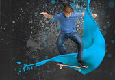 Young skateboarder doing an ollie trick — Stock Photo