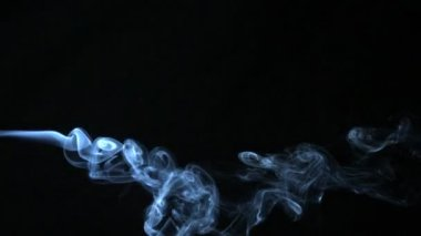Smoke blowing horizontally — Stock Video