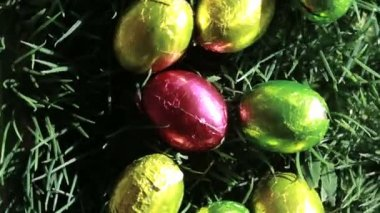 Easter eggs packed in aluminium — Stock Video