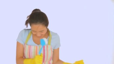 Woman's hand holding scrubbing brush — Stock Video
