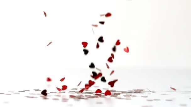 Corazón confettis cayendo — Vídeo de stock