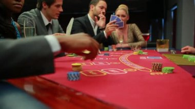 Bets being placed at poker game — Stock Video