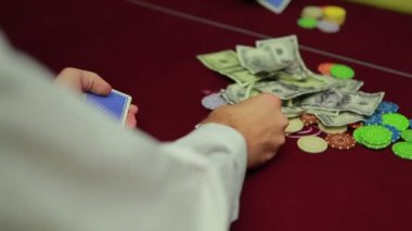 Dealer dealing cards for poker — Stock Video