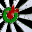Dart hitting dart board — ストックビデオ