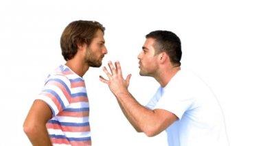 Homme sur le point de battre un autre homme sur fond blanc — Vidéo