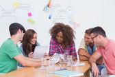 创意团队去联系表在会议中 — 图库照片