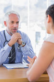 Doctor talking to patient — Stock Photo