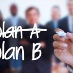 podnikatel psaní plán b s značka — Stock fotografie