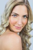 Rust natuurlijk blond model poseren — Stockfoto