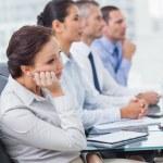 Annoiata donna d'affari che frequentano la presentazione — Foto Stock #29453225