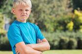 Sarışın çocuk kızgın arıyorsunuz — Stok fotoğraf