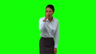 Angry businesswoman pointing on green screen — Stock Video