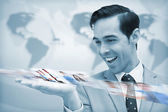 восторге бизнесмен, глядя на картину поток — Стоковое фото