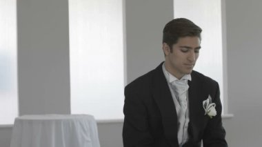 Anxious groom waiting on his wedding day — Vídeo Stock