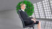 предприниматель, сидя в вращающееся кресло — Стоковое фото