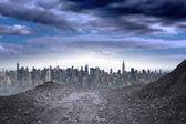 большой город на горизонте — Стоковое фото